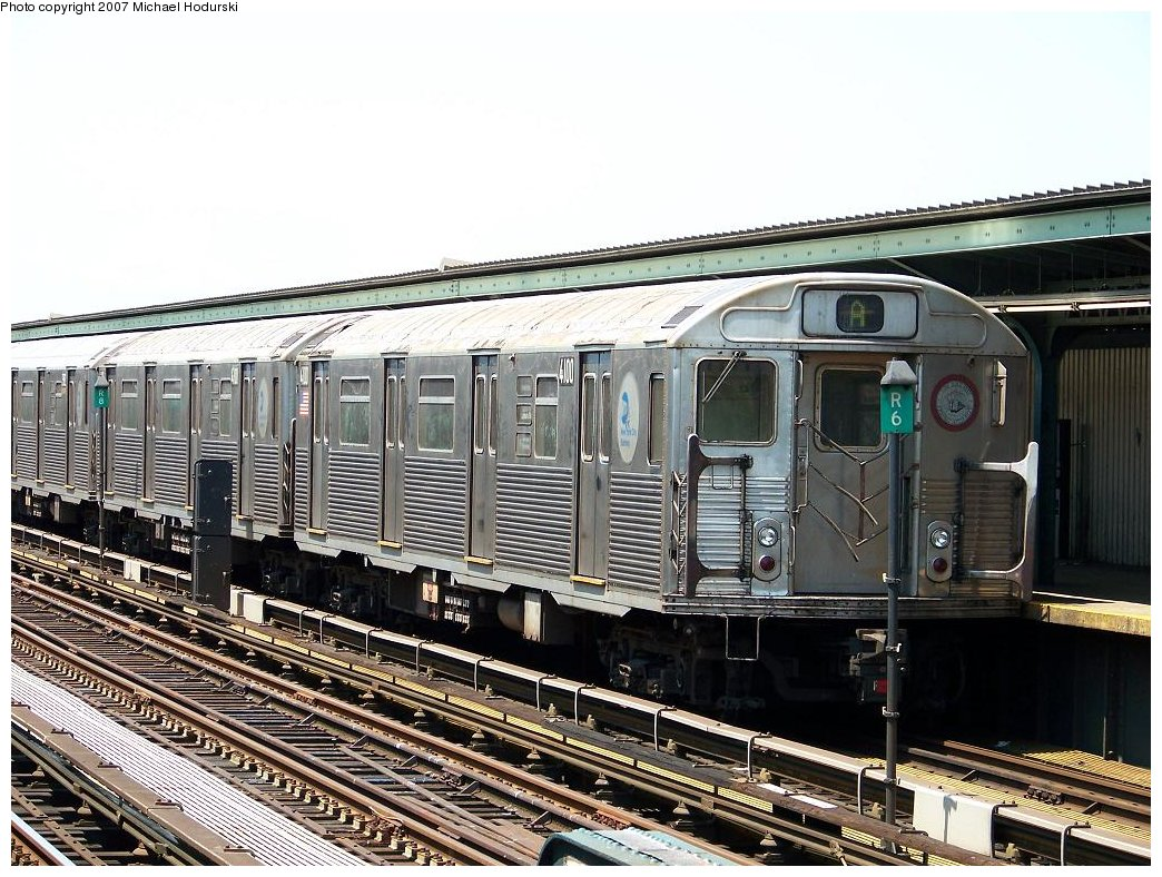 (230k, 1044x788)<br><b>Country:</b> United States<br><b>City:</b> New York<br><b>System:</b> New York City Transit<br><b>Line:</b> IND Fulton Street Line<br><b>Location:</b> Rockaway Boulevard <br><b>Route:</b> A<br><b>Car:</b> R-38 (St. Louis, 1966-1967)  4100 <br><b>Photo by:</b> Michael Hodurski<br><b>Date:</b> 7/25/2007<br><b>Viewed (this week/total):</b> 0 / 1433