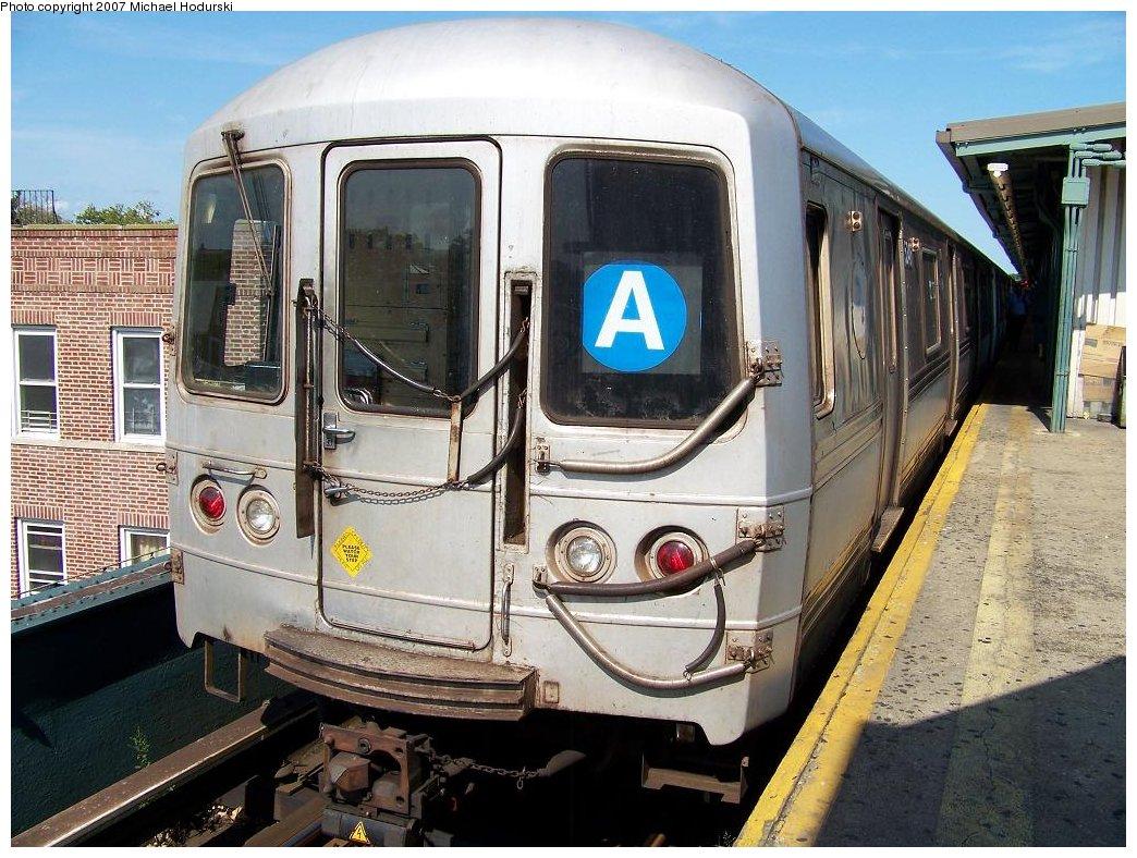(219k, 1044x788)<br><b>Country:</b> United States<br><b>City:</b> New York<br><b>System:</b> New York City Transit<br><b>Line:</b> IND Fulton Street Line<br><b>Location:</b> Lefferts Boulevard <br><b>Route:</b> A<br><b>Car:</b> R-44 (St. Louis, 1971-73) 5346 <br><b>Photo by:</b> Michael Hodurski<br><b>Date:</b> 7/25/2007<br><b>Viewed (this week/total):</b> 1 / 1557