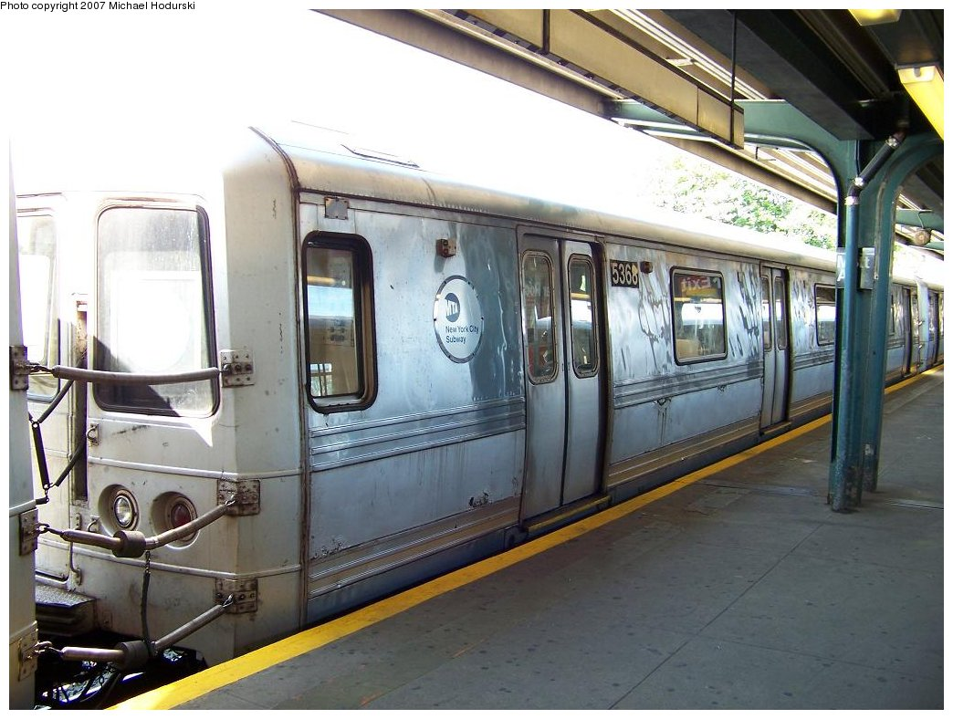 (177k, 1044x788)<br><b>Country:</b> United States<br><b>City:</b> New York<br><b>System:</b> New York City Transit<br><b>Line:</b> IND Rockaway<br><b>Location:</b> Mott Avenue/Far Rockaway <br><b>Route:</b> A<br><b>Car:</b> R-44 (St. Louis, 1971-73) 5368 <br><b>Photo by:</b> Michael Hodurski<br><b>Date:</b> 7/25/2007<br><b>Viewed (this week/total):</b> 1 / 1863