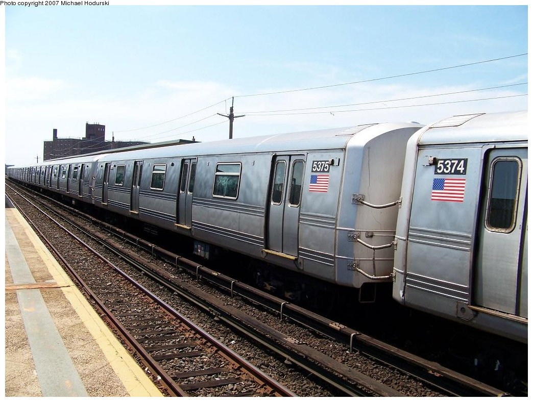 (204k, 1044x788)<br><b>Country:</b> United States<br><b>City:</b> New York<br><b>System:</b> New York City Transit<br><b>Line:</b> IND Rockaway<br><b>Location:</b> Beach 67th Street/Gaston Avenue <br><b>Route:</b> A<br><b>Car:</b> R-44 (St. Louis, 1971-73) 5375 <br><b>Photo by:</b> Michael Hodurski<br><b>Date:</b> 7/25/2007<br><b>Viewed (this week/total):</b> 1 / 2061