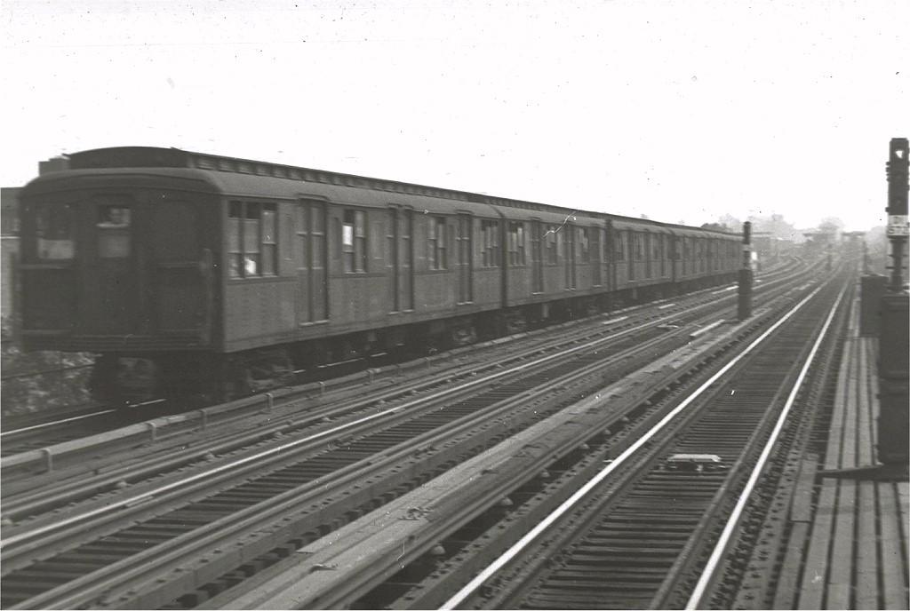 (134k, 1024x688)<br><b>Country:</b> United States<br><b>City:</b> New York<br><b>System:</b> New York City Transit<br><b>Line:</b> BMT West End Line<br><b>Location:</b> 55th Street <br><b>Car:</b> BMT A/B-Type Standard  <br><b>Photo by:</b> Harry Pinsker<br><b>Date:</b> 8/1958<br><b>Viewed (this week/total):</b> 0 / 1810
