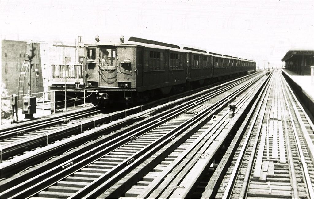 (234k, 1024x649)<br><b>Country:</b> United States<br><b>City:</b> New York<br><b>System:</b> New York City Transit<br><b>Line:</b> IRT Woodlawn Line<br><b>Location:</b> 167th Street <br><b>Car:</b> Low-V  <br><b>Collection of:</b> Joe Testagrose<br><b>Viewed (this week/total):</b> 0 / 1925
