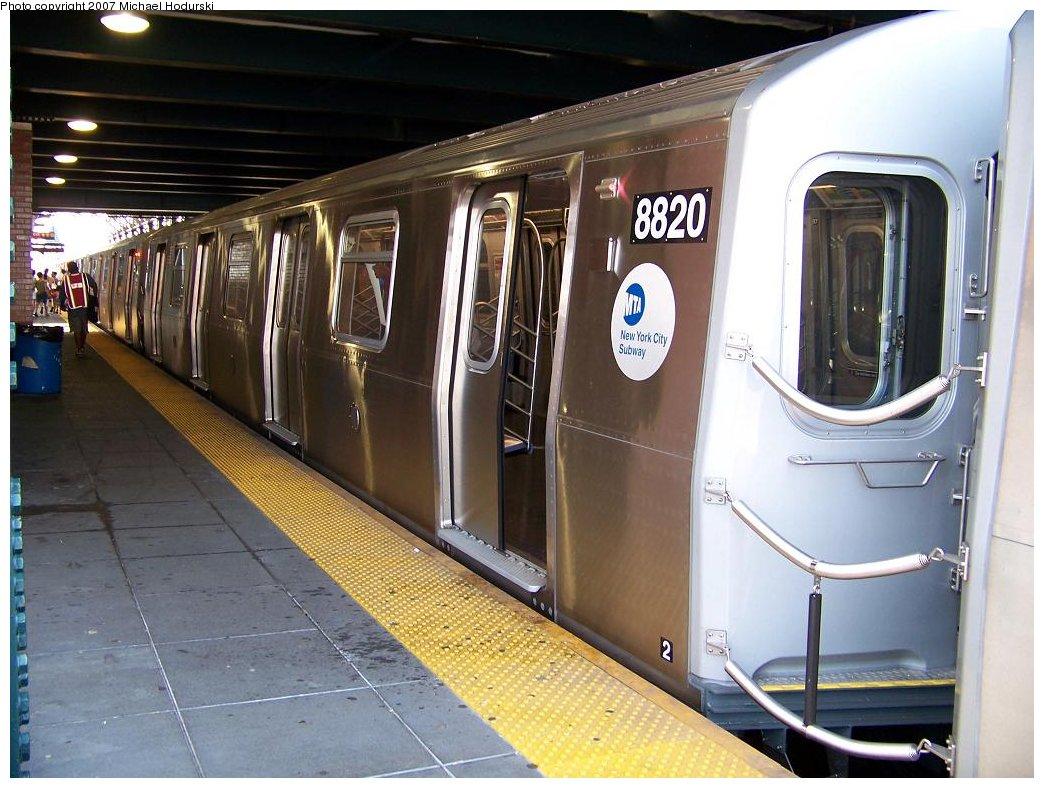(183k, 1044x788)<br><b>Country:</b> United States<br><b>City:</b> New York<br><b>System:</b> New York City Transit<br><b>Location:</b> Coney Island/Stillwell Avenue<br><b>Route:</b> N<br><b>Car:</b> R-160B (Kawasaki, 2005-2008)  8820 <br><b>Photo by:</b> Michael Hodurski<br><b>Date:</b> 7/26/2007<br><b>Viewed (this week/total):</b> 0 / 3016