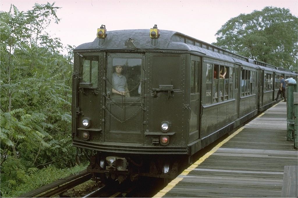 (237k, 1024x682)<br><b>Country:</b> United States<br><b>City:</b> New York<br><b>System:</b> New York City Transit<br><b>Line:</b> BMT Myrtle Avenue Line<br><b>Location:</b> Metropolitan Avenue <br><b>Route:</b> Fan Trip<br><b>Car:</b> Low-V (Museum Train) 5292 <br><b>Photo by:</b> Joe Testagrose<br><b>Date:</b> 9/11/1971<br><b>Viewed (this week/total):</b> 1 / 3210