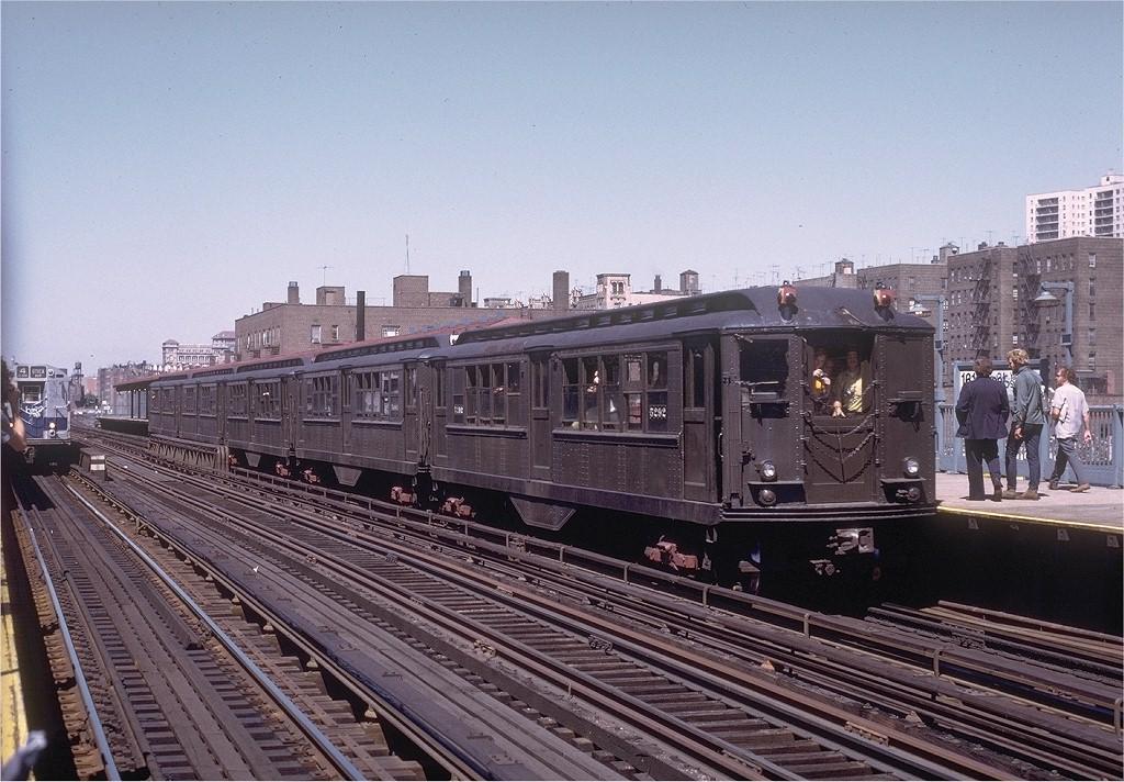 (234k, 1024x712)<br><b>Country:</b> United States<br><b>City:</b> New York<br><b>System:</b> New York City Transit<br><b>Line:</b> IRT Woodlawn Line<br><b>Location:</b> 161st Street/River Avenue (Yankee Stadium) <br><b>Route:</b> Fan Trip<br><b>Car:</b> Low-V (Museum Train) 5292 <br><b>Photo by:</b> Joe Testagrose<br><b>Date:</b> 8/5/1972<br><b>Viewed (this week/total):</b> 0 / 3116