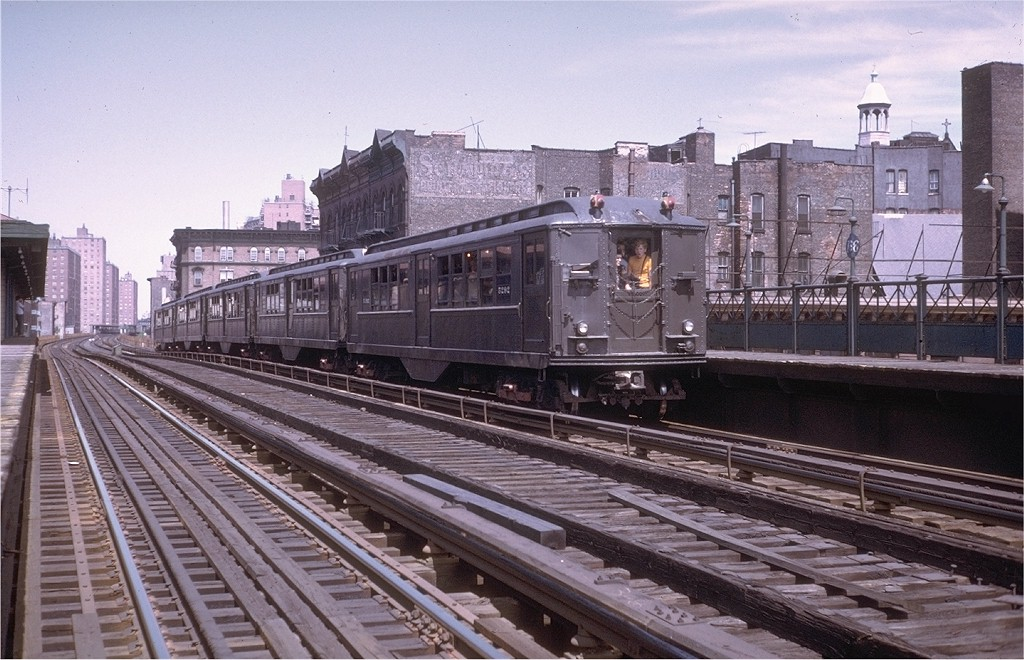 (214k, 1024x660)<br><b>Country:</b> United States<br><b>City:</b> New York<br><b>System:</b> New York City Transit<br><b>Line:</b> 3rd Avenue El<br><b>Location:</b> 166th Street <br><b>Route:</b> Fan Trip<br><b>Car:</b> Low-V (Museum Train) 5292 <br><b>Collection of:</b> Joe Testagrose<br><b>Date:</b> 8/5/1972<br><b>Viewed (this week/total):</b> 0 / 3694
