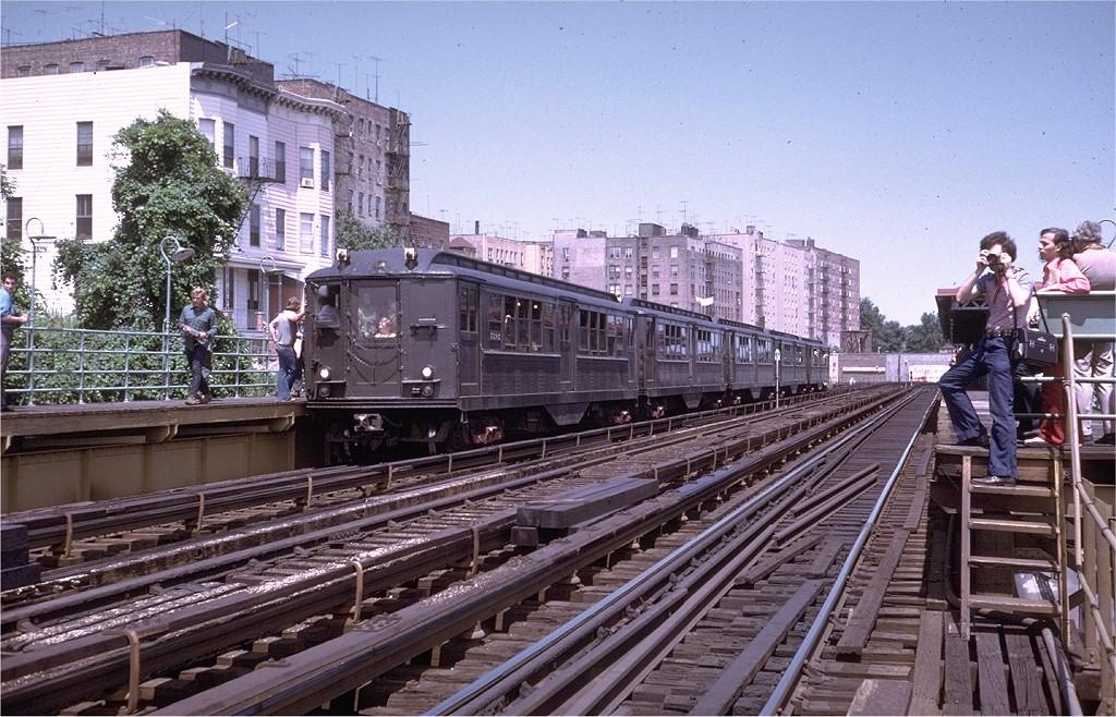 (249k, 1024x658)<br><b>Country:</b> United States<br><b>City:</b> New York<br><b>System:</b> New York City Transit<br><b>Line:</b> 3rd Avenue El<br><b>Location:</b> 210th Street <br><b>Route:</b> Fan Trip<br><b>Car:</b> Low-V (Museum Train) 5292 <br><b>Photo by:</b> Steve Zabel<br><b>Collection of:</b> Joe Testagrose<br><b>Date:</b> 8/5/1972<br><b>Viewed (this week/total):</b> 1 / 3998