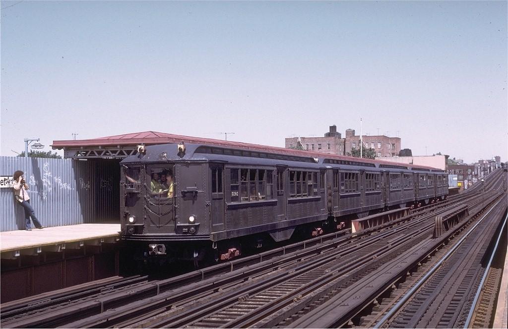 (187k, 1024x664)<br><b>Country:</b> United States<br><b>City:</b> New York<br><b>System:</b> New York City Transit<br><b>Line:</b> IRT White Plains Road Line<br><b>Location:</b> 219th Street <br><b>Route:</b> Fan Trip<br><b>Car:</b> Low-V (Museum Train) 5292 <br><b>Collection of:</b> Joe Testagrose<br><b>Date:</b> 8/5/1972<br><b>Viewed (this week/total):</b> 1 / 3667