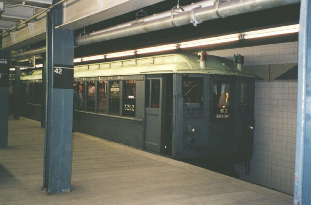 (68k, 642x422)<br><b>Country:</b> United States<br><b>City:</b> New York<br><b>System:</b> New York City Transit<br><b>Line:</b> IRT Times Square-Grand Central Shuttle<br><b>Location:</b> Grand Central <br><b>Route:</b> Fan Trip<br><b>Car:</b> Low-V (Museum Train) 5292 <br><b>Photo by:</b> The photographer info for this photo was misplaced-use Feedback if it's yours!<br><b>Date:</b> 9/8/1996<br><b>Viewed (this week/total):</b> 0 / 4130