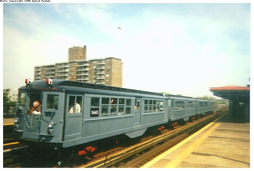 (113k, 824x555)<br><b>Country:</b> United States<br><b>City:</b> New York<br><b>System:</b> New York City Transit<br><b>Line:</b> IRT Pelham Line<br><b>Location:</b> Morrison/Soundview Aves. <br><b>Route:</b> Fan Trip<br><b>Car:</b> Low-V (Museum Train) 5443 <br><b>Photo by:</b> David Foster<br><b>Date:</b> 9/13/1998<br><b>Viewed (this week/total):</b> 0 / 4282