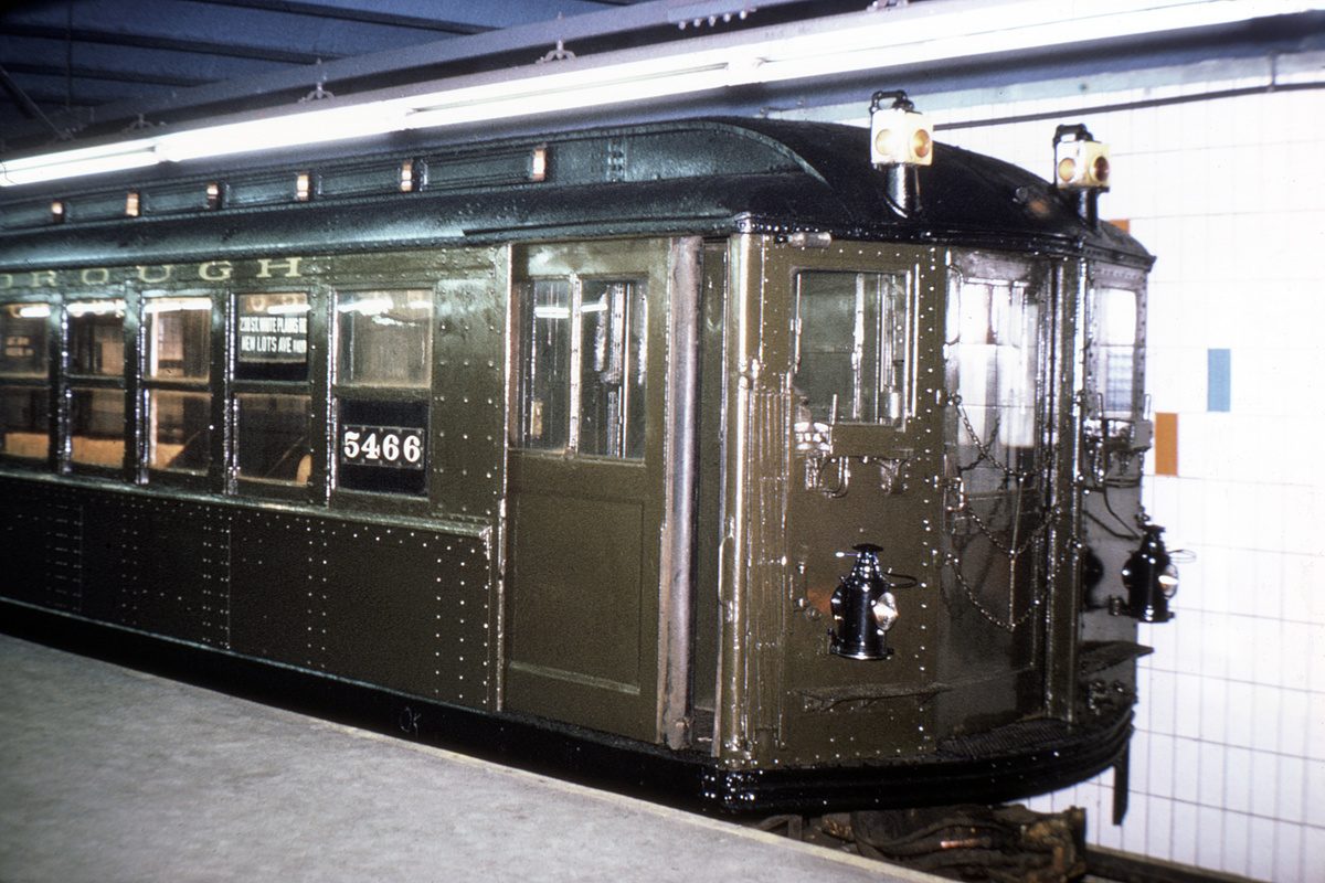 (374k, 1044x710)<br><b>Country:</b> United States<br><b>City:</b> New York<br><b>System:</b> New York City Transit<br><b>Line:</b> IRT Times Square-Grand Central Shuttle<br><b>Location:</b> Grand Central <br><b>Route:</b> Fan Trip<br><b>Car:</b> Low-V (Museum Train) 5466 <br><b>Collection of:</b> David Pirmann<br><b>Date:</b> 4/25/1970<br><b>Viewed (this week/total):</b> 3 / 3825