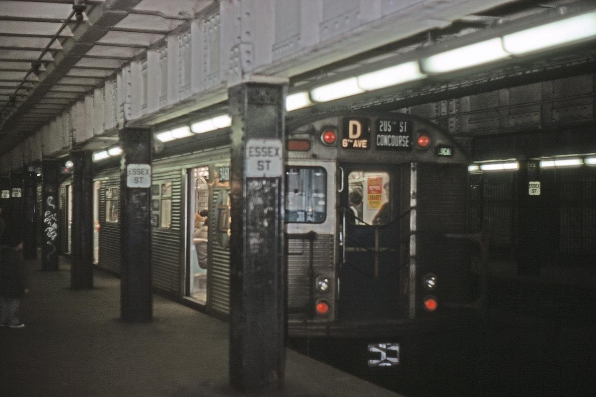 (225k, 1044x709)<br><b>Country:</b> United States<br><b>City:</b> New York<br><b>System:</b> New York City Transit<br><b>Line:</b> BMT Nassau Street/Jamaica Line<br><b>Location:</b> Essex Street <br><b>Route:</b> D reroute<br><b>Car:</b> R-32 (Budd, 1964)  3461 <br><b>Collection of:</b> David Pirmann<br><b>Viewed (this week/total):</b> 2 / 5157