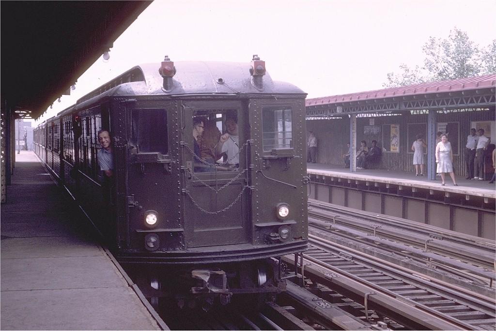 (195k, 1024x684)<br><b>Country:</b> United States<br><b>City:</b> New York<br><b>System:</b> New York City Transit<br><b>Line:</b> IRT Woodlawn Line<br><b>Location:</b> 170th Street <br><b>Route:</b> Fan Trip<br><b>Car:</b> Low-V (Museum Train) 5466 <br><b>Photo by:</b> Joe Testagrose<br><b>Date:</b> 7/11/1970<br><b>Viewed (this week/total):</b> 0 / 2782