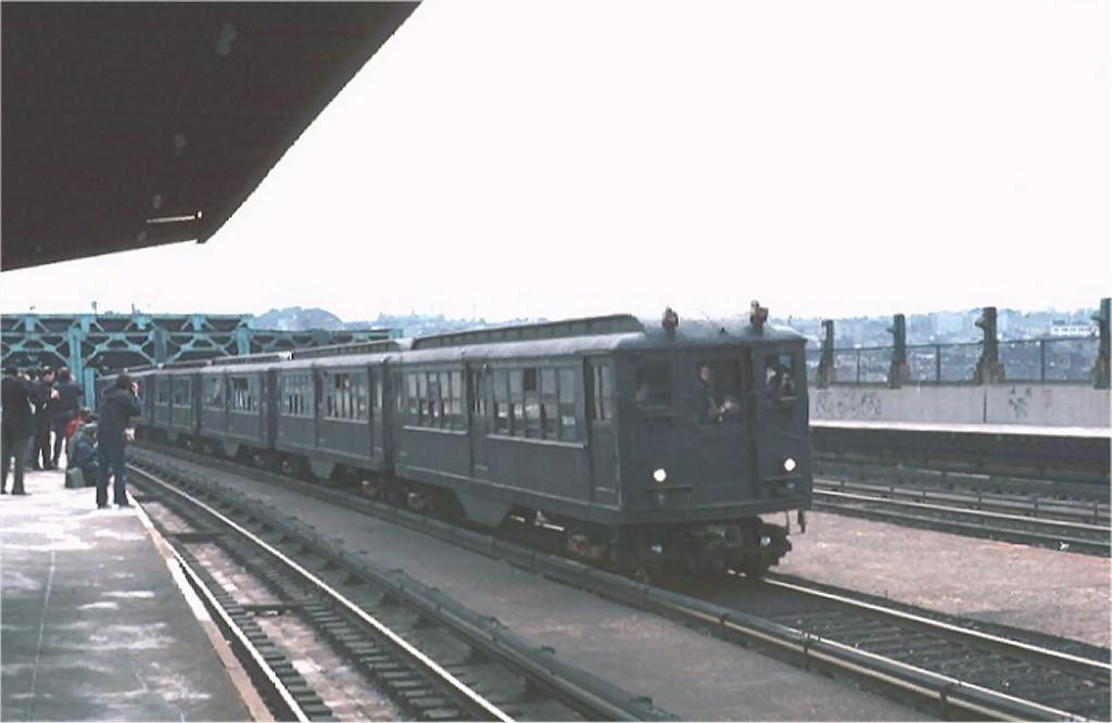 (105k, 1024x666)<br><b>Country:</b> United States<br><b>City:</b> New York<br><b>System:</b> New York City Transit<br><b>Line:</b> IND Crosstown Line<br><b>Location:</b> Smith/9th Street <br><b>Route:</b> Fan Trip<br><b>Car:</b> Low-V (Museum Train) 5466 <br><b>Photo by:</b> Joe Testagrose<br><b>Date:</b> 3/16/1975<br><b>Viewed (this week/total):</b> 0 / 2942