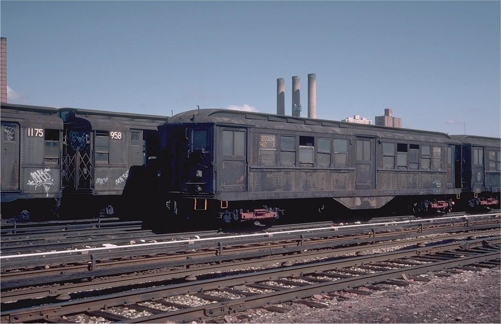 (185k, 1024x663)<br><b>Country:</b> United States<br><b>City:</b> New York<br><b>System:</b> New York City Transit<br><b>Location:</b> 207th Street Yard<br><b>Car:</b> Low-V 5609 <br><b>Photo by:</b> Steve Zabel<br><b>Collection of:</b> Joe Testagrose<br><b>Date:</b> 4/29/1976<br><b>Notes:</b> Work Motor 20304<br><b>Viewed (this week/total):</b> 0 / 2449