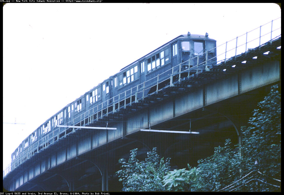 (108k, 969x667)<br><b>Country:</b> United States<br><b>City:</b> New York<br><b>System:</b> New York City Transit<br><b>Line:</b> 3rd Avenue El<br><b>Location:</b> Fordham Road <br><b>Route:</b> 8<br><b>Car:</b> Low-V 5633 <br><b>Photo by:</b> Bob Fried<br><b>Date:</b> 8/1964<br><b>Viewed (this week/total):</b> 0 / 4470