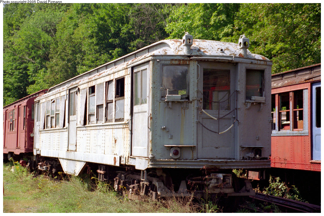(290k, 1044x697)<br><b>Country:</b> United States<br><b>City:</b> Kingston, NY<br><b>System:</b> Trolley Museum of New York <br><b>Car:</b> Low-V 5600 <br><b>Photo by:</b> David Pirmann<br><b>Date:</b> 9/14/1996<br><b>Viewed (this week/total):</b> 13 / 7989