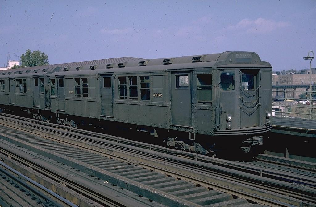(204k, 1024x673)<br><b>Country:</b> United States<br><b>City:</b> New York<br><b>System:</b> New York City Transit<br><b>Line:</b> 3rd Avenue El<br><b>Location:</b> 210th Street <br><b>Car:</b> Low-V Worlds Fair 5662 <br><b>Photo by:</b> Doug Grotjahn<br><b>Collection of:</b> Joe Testagrose<br><b>Date:</b> 9/1964<br><b>Viewed (this week/total):</b> 0 / 3234