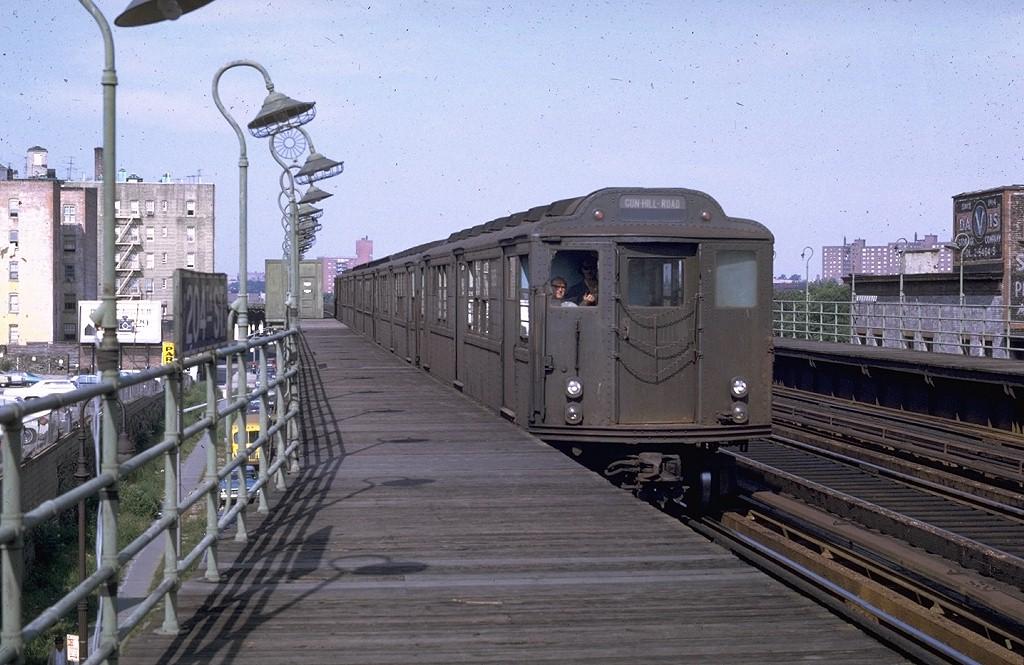 (205k, 1024x665)<br><b>Country:</b> United States<br><b>City:</b> New York<br><b>System:</b> New York City Transit<br><b>Line:</b> 3rd Avenue El<br><b>Location:</b> 204th Street <br><b>Route:</b> 8<br><b>Car:</b> Low-V Worlds Fair 5665 <br><b>Photo by:</b> Joe Testagrose<br><b>Date:</b> 9/13/1969<br><b>Viewed (this week/total):</b> 0 / 3858