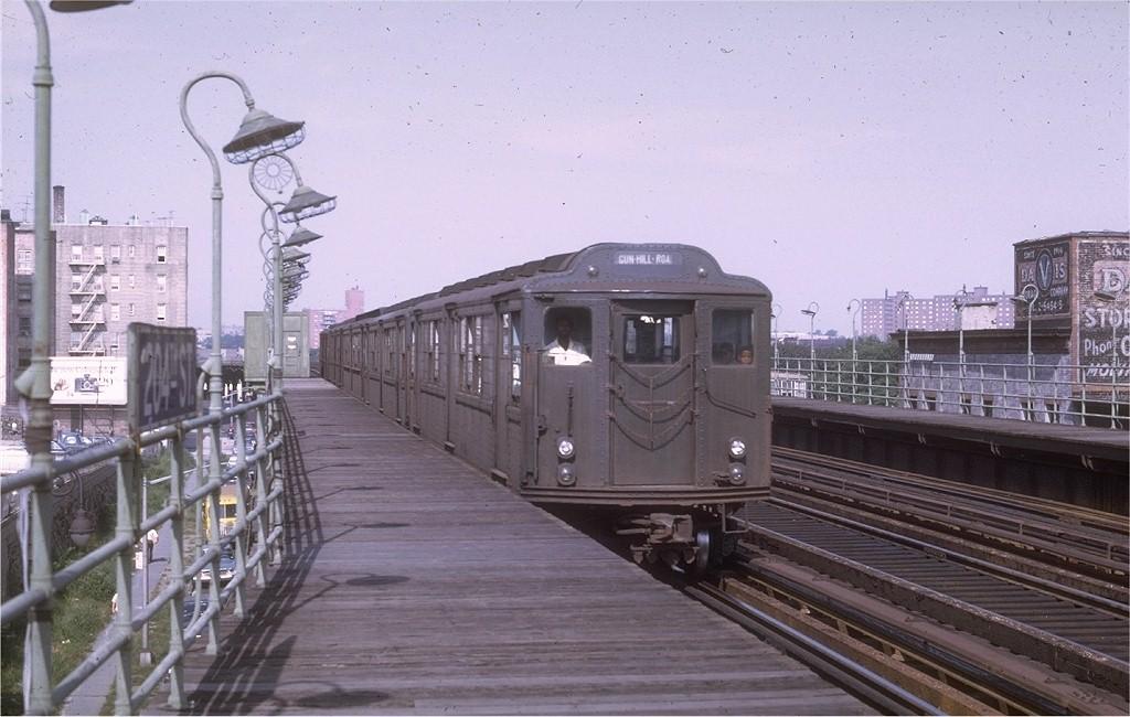 (176k, 1024x650)<br><b>Country:</b> United States<br><b>City:</b> New York<br><b>System:</b> New York City Transit<br><b>Line:</b> 3rd Avenue El<br><b>Location:</b> 204th Street <br><b>Route:</b> 8<br><b>Car:</b> Low-V Worlds Fair 5694 <br><b>Photo by:</b> Joe Testagrose<br><b>Date:</b> 9/13/1969<br><b>Viewed (this week/total):</b> 2 / 3345