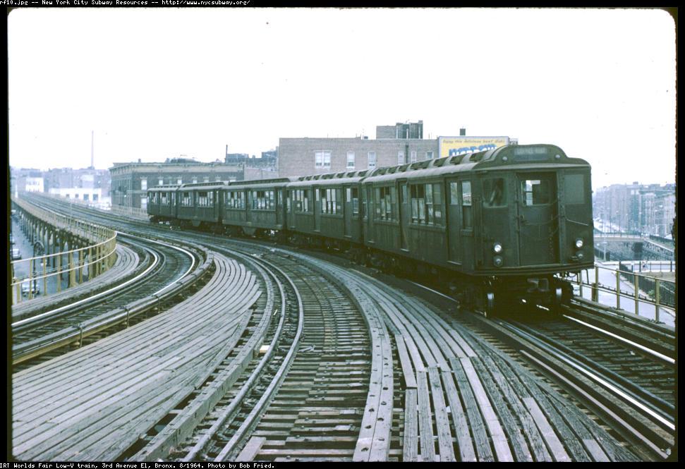 (129k, 971x665)<br><b>Country:</b> United States<br><b>City:</b> New York<br><b>System:</b> New York City Transit<br><b>Line:</b> 3rd Avenue El<br><b>Location:</b> Fordham Road <br><b>Route:</b> 8<br><b>Car:</b> Low-V Worlds Fair  <br><b>Photo by:</b> Bob Fried<br><b>Date:</b> 8/1964<br><b>Viewed (this week/total):</b> 0 / 5763