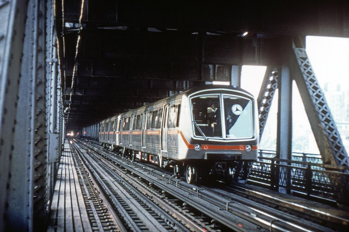 (275k, 1024x683)<br><b>Country:</b> United States<br><b>City:</b> New York<br><b>System:</b> New York City Transit<br><b>Location:</b> Manhattan Bridge<br><b>Car:</b> SOAC  <br><b>Collection of:</b> David Pirmann<br><b>Date:</b> 7/1974<br><b>Viewed (this week/total):</b> 2 / 10782