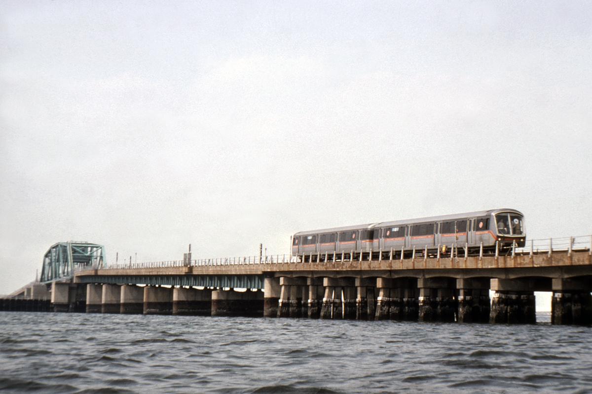 (340k, 1044x714)<br><b>Country:</b> United States<br><b>City:</b> New York<br><b>System:</b> New York City Transit<br><b>Line:</b> IND Rockaway<br><b>Location:</b> Jamaica Bay Crossing<br><b>Car:</b> SOAC  <br><b>Collection of:</b> David Pirmann<br><b>Date:</b> 7/1974<br><b>Viewed (this week/total):</b> 4 / 7551