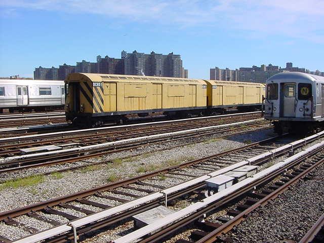 (61k, 640x480)<br><b>Country:</b> United States<br><b>City:</b> New York<br><b>System:</b> New York City Transit<br><b>Location:</b> Coney Island Yard<br><b>Car:</b> R-123 Continuous Welded Rail Handler (R17/R21/R22 Rebuilds) CCR01 <br><b>Photo by:</b> Salaam Allah<br><b>Date:</b> 10/29/2000<br><b>Viewed (this week/total):</b> 2 / 4229