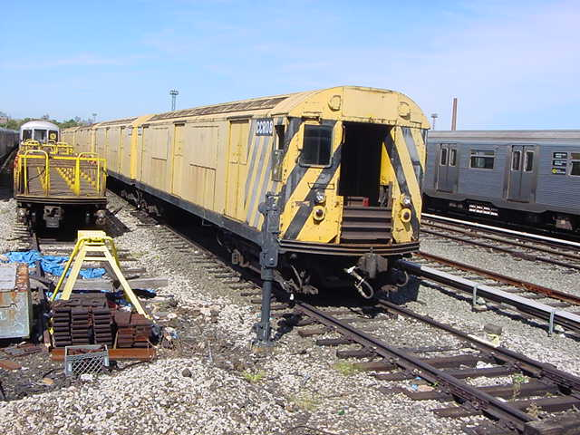 (60k, 640x480)<br><b>Country:</b> United States<br><b>City:</b> New York<br><b>System:</b> New York City Transit<br><b>Location:</b> Coney Island Yard<br><b>Car:</b> R-123 Continuous Welded Rail Handler (R17/R21/R22 Rebuilds) CCR08 <br><b>Photo by:</b> Salaam Allah<br><b>Date:</b> 10/29/2000<br><b>Viewed (this week/total):</b> 0 / 4393