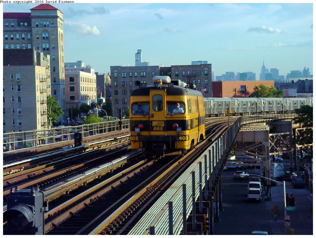 (158k, 1044x788)<br><b>Country:</b> United States<br><b>City:</b> New York<br><b>System:</b> New York City Transit<br><b>Line:</b> IRT Woodlawn Line<br><b>Location:</b> 170th Street <br><b>Car:</b> Sperry Rail Service  403 <br><b>Photo by:</b> David Pirmann<br><b>Date:</b> 7/12/2001<br><b>Viewed (this week/total):</b> 0 / 4845
