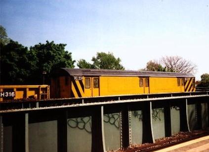 (37k, 423x307)<br><b>Country:</b> United States<br><b>City:</b> New York<br><b>System:</b> New York City Transit<br><b>Line:</b> IRT Dyre Ave. Line<br><b>Location:</b> Morris Park <br><b>Car:</b> R-71 Rider Car (R-17/R-21/R-22 Rebuilds)  RD359 (ex-7515)<br><b>Photo by:</b> David Justiniano<br><b>Viewed (this week/total):</b> 1 / 4732