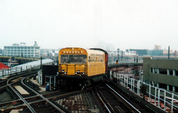 (46k, 736x466)<br><b>Country:</b> United States<br><b>City:</b> New York<br><b>System:</b> New York City Transit<br><b>Line:</b> IRT Flushing Line<br><b>Location:</b> Queensborough Plaza <br><b>Route:</b> Fan Trip<br><b>Car:</b> Observation Car 0F116 <br><b>Photo by:</b> Peter Farrell<br><b>Date:</b> 8/27/2000<br><b>Viewed (this week/total):</b> 0 / 6104