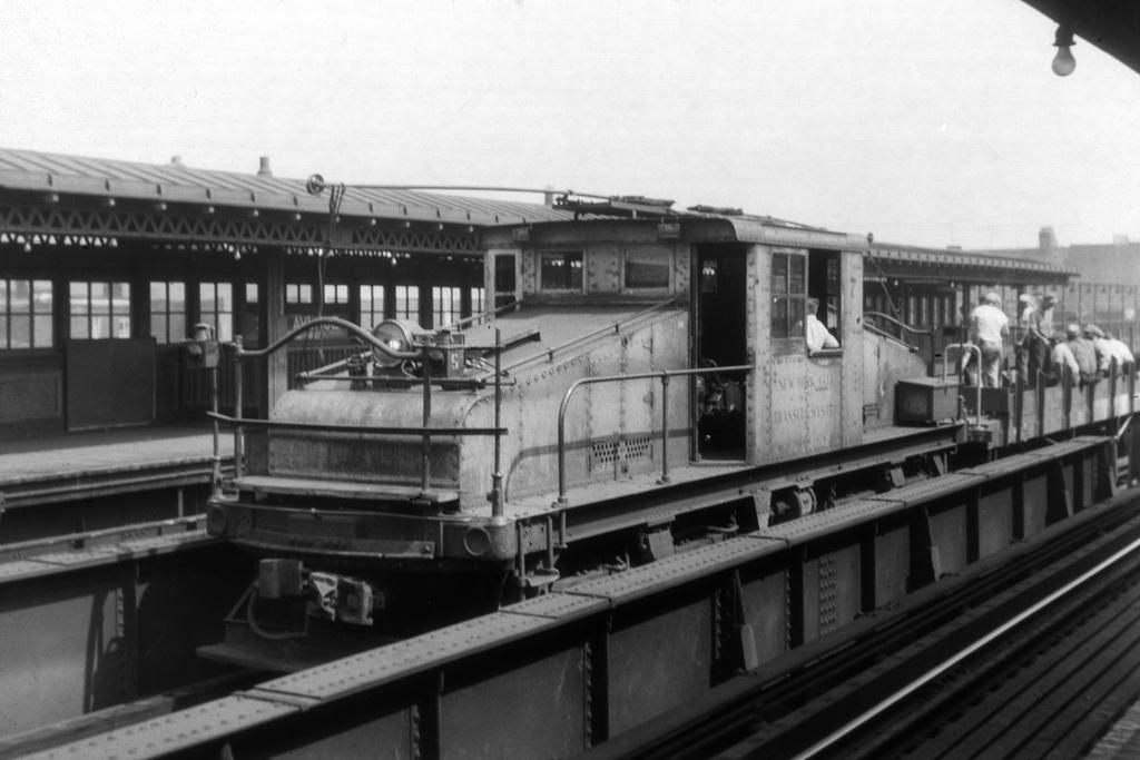 (201k, 1024x683)<br><b>Country:</b> United States<br><b>City:</b> New York<br><b>System:</b> New York City Transit<br><b>Line:</b> BMT Astoria Line<br><b>Location:</b> 39th/Beebe Aves. <br><b>Car:</b> SBK Steeplecab 7 <br><b>Collection of:</b> David Pirmann<br><b>Viewed (this week/total):</b> 0 / 3226