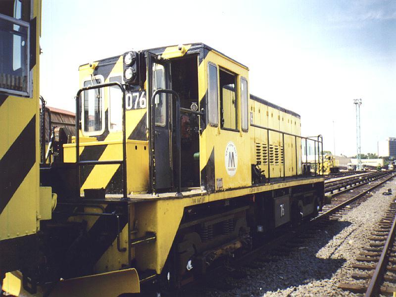 (80k, 800x600)<br><b>Country:</b> United States<br><b>City:</b> New York<br><b>System:</b> New York City Transit<br><b>Location:</b> Westchester Yard<br><b>Car:</b> R-52 Locomotive  76 <br><b>Photo by:</b> Constantine Steffan<br><b>Date:</b> 9/12/1998<br><b>Viewed (this week/total):</b> 0 / 2436