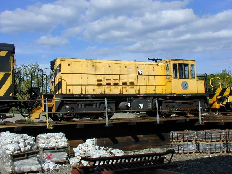 (58k, 800x600)<br><b>Country:</b> United States<br><b>City:</b> New York<br><b>System:</b> New York City Transit<br><b>Location:</b> Westchester Yard<br><b>Car:</b> R-52 Locomotive  78 <br><b>Photo by:</b> Jeff Erlitz<br><b>Date:</b> 5/19/2002<br><b>Viewed (this week/total):</b> 0 / 2926