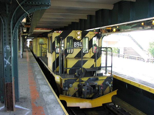 (78k, 600x450)<br><b>Country:</b> United States<br><b>City:</b> New York<br><b>System:</b> New York City Transit<br><b>Line:</b> BMT Nassau Street/Jamaica Line<br><b>Location:</b> Broadway/East New York (Broadway Junction) <br><b>Car:</b> R-77 Locomotive  894 <br><b>Photo by:</b> Trevor Logan<br><b>Date:</b> 9/23/2001<br><b>Viewed (this week/total):</b> 0 / 3511