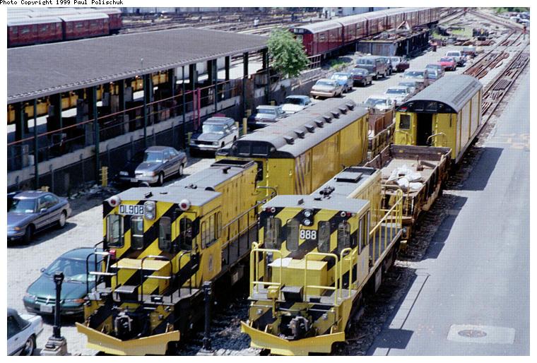 (109k, 760x514)<br><b>Country:</b> United States<br><b>City:</b> New York<br><b>System:</b> New York City Transit<br><b>Location:</b> Corona Yard<br><b>Car:</b> R-120 Locomotive  908 <br><b>Photo by:</b> Paul Polischuk<br><b>Date:</b> 6/25/1999<br><b>Viewed (this week/total):</b> 0 / 3764