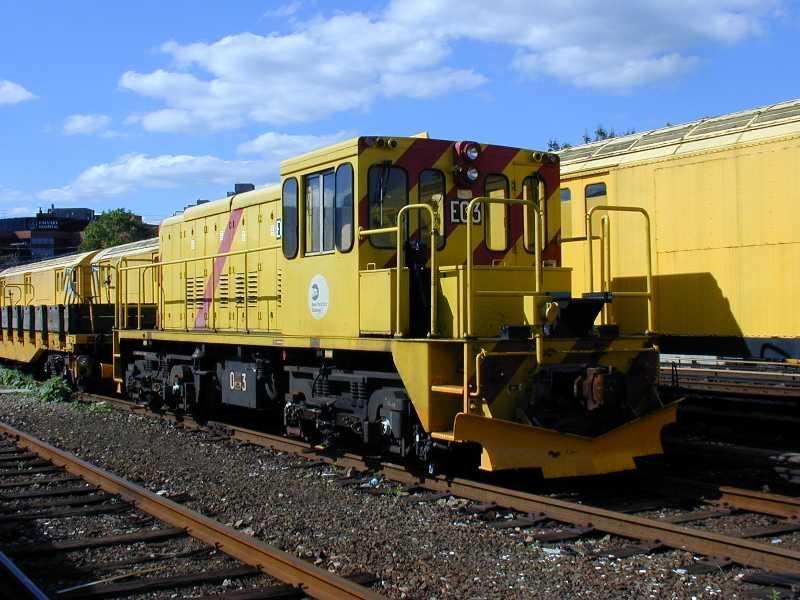 (60k, 800x600)<br><b>Country:</b> United States<br><b>City:</b> New York<br><b>System:</b> New York City Transit<br><b>Location:</b> Westchester Yard<br><b>Car:</b> R-77E Locomotive E03 <br><b>Photo by:</b> Jeff Erlitz<br><b>Date:</b> 5/19/2002<br><b>Viewed (this week/total):</b> 0 / 3678