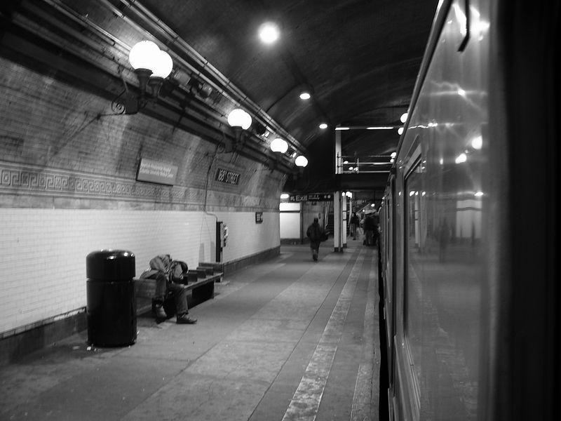 (58k, 800x600)<br><b>Country:</b> United States<br><b>City:</b> New York<br><b>System:</b> New York City Transit<br><b>Line:</b> IRT West Side Line<br><b>Location:</b> 168th Street <br><b>Photo by:</b> Ted Siuta<br><b>Date:</b> 3/27/2005<br><b>Viewed (this week/total):</b> 0 / 2940