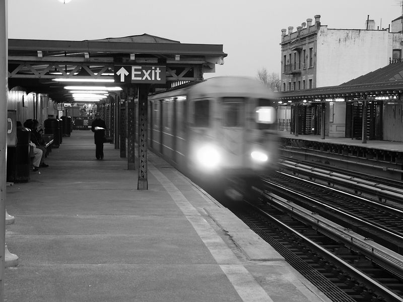 (75k, 800x600)<br><b>Country:</b> United States<br><b>City:</b> New York<br><b>System:</b> New York City Transit<br><b>Line:</b> IRT West Side Line<br><b>Location:</b> 238th Street <br><b>Photo by:</b> Ted Siuta<br><b>Date:</b> 3/27/2005<br><b>Viewed (this week/total):</b> 1 / 2904