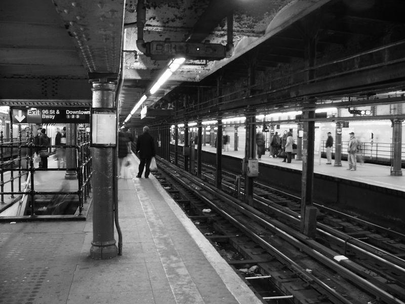 (79k, 800x600)<br><b>Country:</b> United States<br><b>City:</b> New York<br><b>System:</b> New York City Transit<br><b>Line:</b> IRT West Side Line<br><b>Location:</b> 96th Street <br><b>Photo by:</b> Ted Siuta<br><b>Date:</b> 3/27/2005<br><b>Viewed (this week/total):</b> 1 / 3544