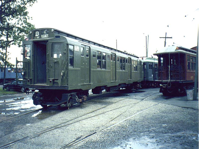 (106k, 800x600)<br><b>Country:</b> United States<br><b>City:</b> East Haven/Branford, Ct.<br><b>System:</b> Shore Line Trolley Museum <br><b>Car:</b> R-9 (American Car & Foundry, 1940)  1689 <br><b>Photo by:</b> Constantine Steffan<br><b>Date:</b> 10/10/1998<br><b>Viewed (this week/total):</b> 0 / 3725