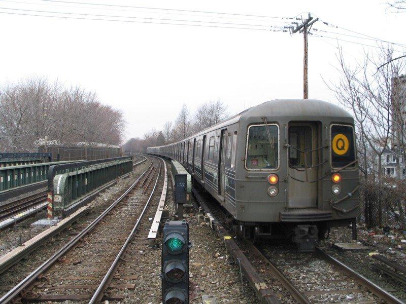 (113k, 800x600)<br><b>Country:</b> United States<br><b>City:</b> New York<br><b>System:</b> New York City Transit<br><b>Line:</b> BMT Brighton Line<br><b>Location:</b> Sheepshead Bay <br><b>Route:</b> Q<br><b>Car:</b> R-68 (Westinghouse-Amrail, 1986-1988)  2870 <br><b>Photo by:</b> Neil Feldman<br><b>Date:</b> 3/25/2005<br><b>Viewed (this week/total):</b> 2 / 3960