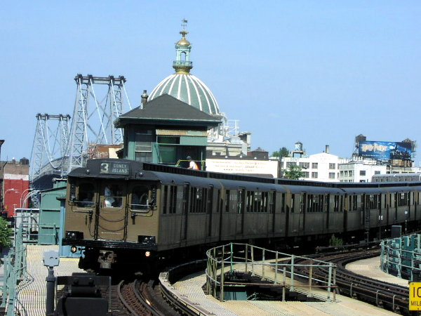 (75k, 600x450)<br><b>Country:</b> United States<br><b>City:</b> New York<br><b>System:</b> New York City Transit<br><b>Line:</b> BMT Nassau Street/Jamaica Line<br><b>Location:</b> Marcy Avenue <br><b>Route:</b> Fan Trip<br><b>Car:</b> BMT D-Type Triplex 6112 <br><b>Photo by:</b> Trevor Logan<br><b>Date:</b> 8/26/2001<br><b>Viewed (this week/total):</b> 0 / 4857