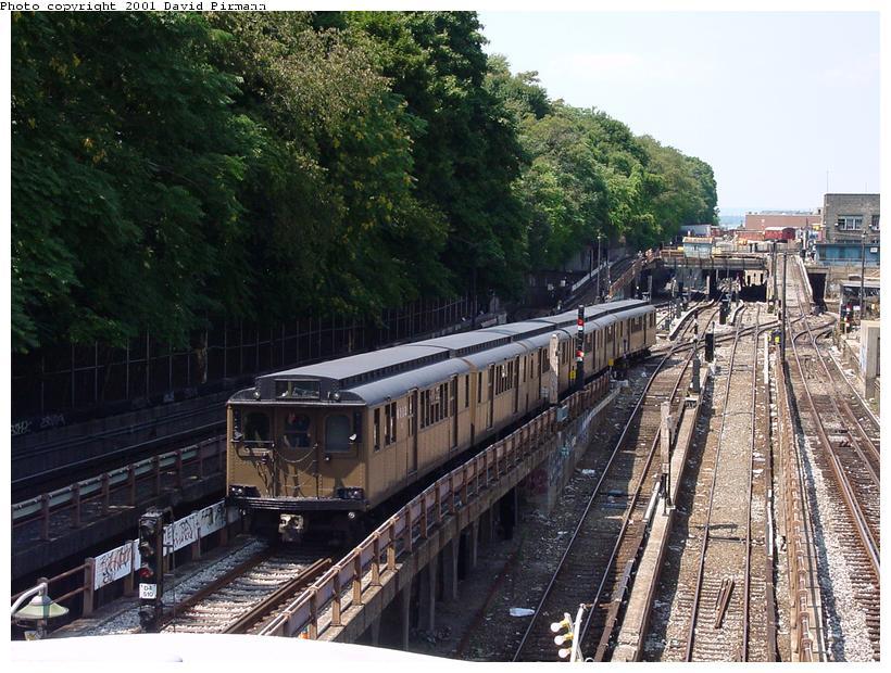 (111k, 820x620)<br><b>Country:</b> United States<br><b>City:</b> New York<br><b>System:</b> New York City Transit<br><b>Line:</b> BMT West End Line<br><b>Location:</b> 9th Avenue <br><b>Route:</b> Fan Trip<br><b>Car:</b> BMT D-Type Triplex 6112 <br><b>Photo by:</b> David Pirmann<br><b>Date:</b> 8/26/2001<br><b>Viewed (this week/total):</b> 0 / 4675