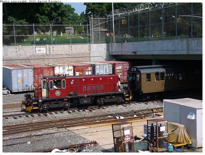 (118k, 820x620)<br><b>Country:</b> United States<br><b>City:</b> New York<br><b>System:</b> New York City Transit<br><b>Line:</b> BMT West End Line<br><b>Location:</b> 9th Avenue <br><b>Route:</b> Fan Trip<br><b>Car:</b> R-47 (SBK) Locomotive  N1 <br><b>Photo by:</b> David Pirmann<br><b>Date:</b> 8/26/2001<br><b>Viewed (this week/total):</b> 0 / 3978