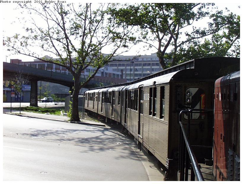 (112k, 820x620)<br><b>Country:</b> United States<br><b>City:</b> New York<br><b>System:</b> New York City Transit<br><b>Line:</b> South Brooklyn Railway<br><b>Location:</b> 3rd Avenue/38th St Crossing (Gowanus) (SBK)<br><b>Route:</b> Fan Trip<br><b>Car:</b> BMT D-Type Triplex 6112 <br><b>Photo by:</b> Bobby Ryan<br><b>Date:</b> 8/26/2001<br><b>Viewed (this week/total):</b> 2 / 3580