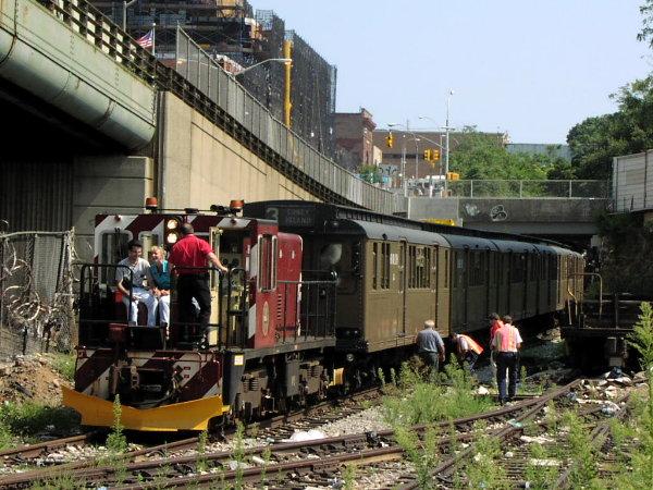 (97k, 600x450)<br><b>Country:</b> United States<br><b>City:</b> New York<br><b>System:</b> New York City Transit<br><b>Line:</b> South Brooklyn Railway<br><b>Location:</b> 3rd Avenue/38th St Crossing (Gowanus) (SBK)<br><b>Route:</b> Fan Trip<br><b>Car:</b> R-47 (SBK) Locomotive  N1 <br><b>Photo by:</b> Trevor Logan<br><b>Date:</b> 8/26/2001<br><b>Viewed (this week/total):</b> 0 / 4442