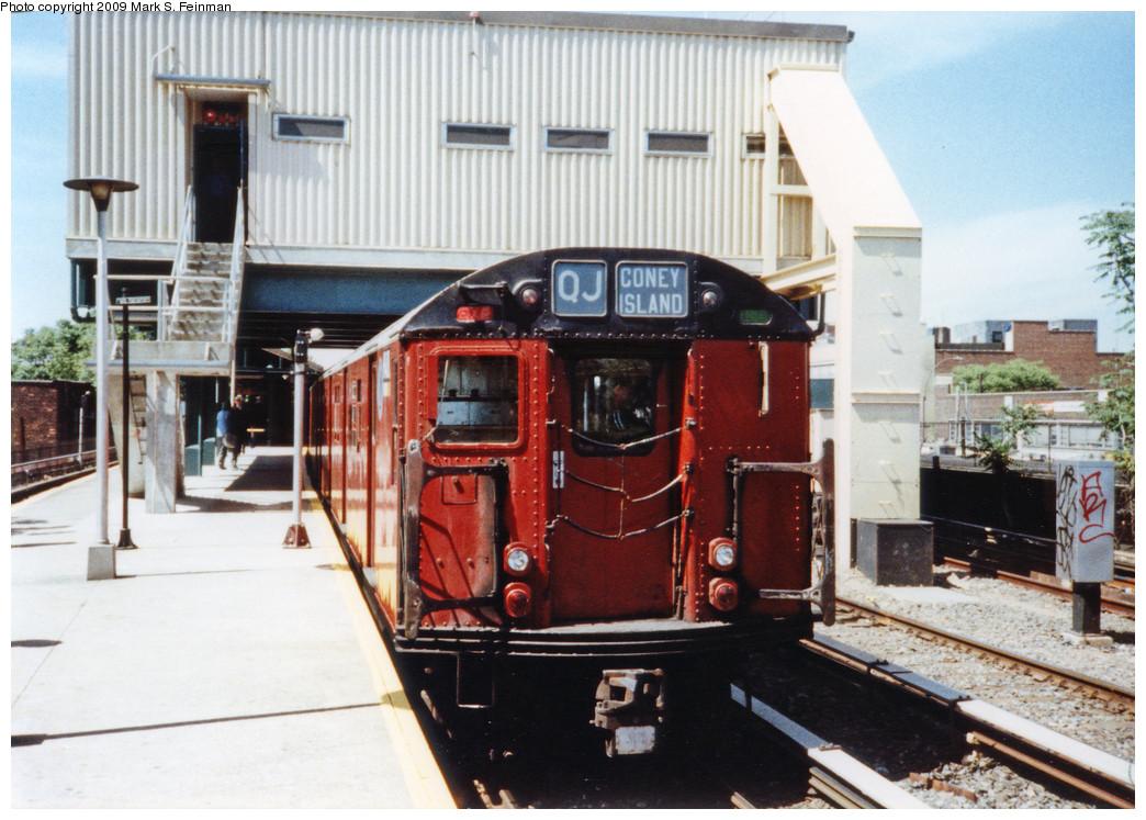 (266k, 1044x747)<br><b>Country:</b> United States<br><b>City:</b> New York<br><b>System:</b> New York City Transit<br><b>Line:</b> BMT Brighton Line<br><b>Location:</b> Kings Highway <br><b>Route:</b> Fan Trip<br><b>Car:</b> R-30 (St. Louis, 1961) 8408 <br><b>Photo by:</b> Mark S. Feinman<br><b>Date:</b> 5/30/1993<br><b>Viewed (this week/total):</b> 2 / 8324
