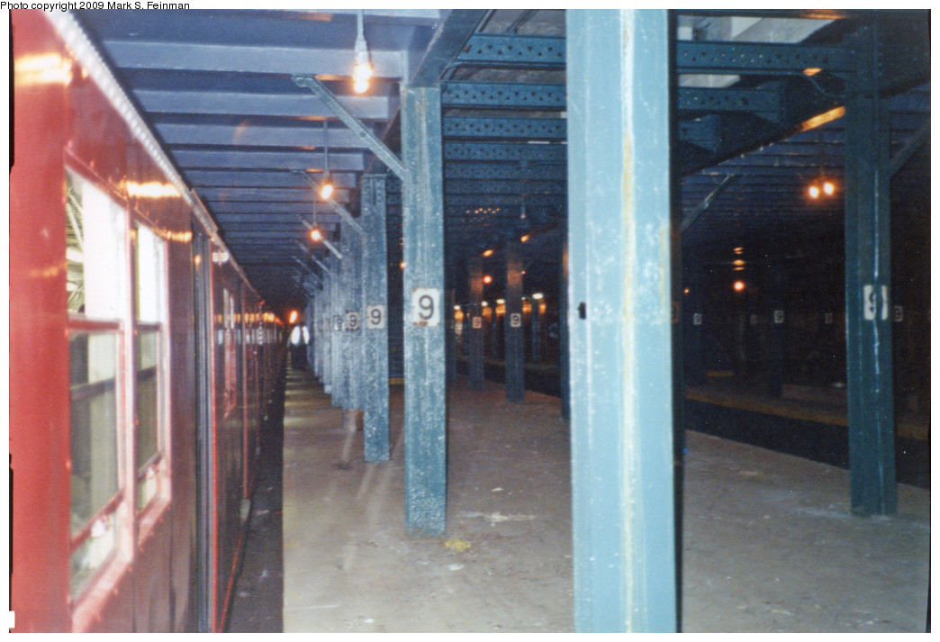 (211k, 1044x713)<br><b>Country:</b> United States<br><b>City:</b> New York<br><b>System:</b> New York City Transit<br><b>Line:</b> BMT Culver Line<br><b>Location:</b> 9th Avenue (Lower Level) <br><b>Route:</b> Fan Trip<br><b>Photo by:</b> Mark S. Feinman<br><b>Date:</b> 5/30/1993<br><b>Notes:</b> Boarding R30 train at 9th Avenue, lower level.Note the large gap between train and platform.<br><b>Viewed (this week/total):</b> 0 / 5486